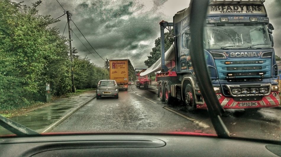 Lorrydriving Angles And Views Transportation Vehicle Wind Turbine It Is Wind Turbine Wing Transporting Genius Long Long Vehicle Turbine Blades Lorry Hdr_lovers Hdr Transport Hdr Edit Androidography Android Photography Sony Xperia Z3 Cloudy Cloud - Sky Road Traffic Traffic Jam