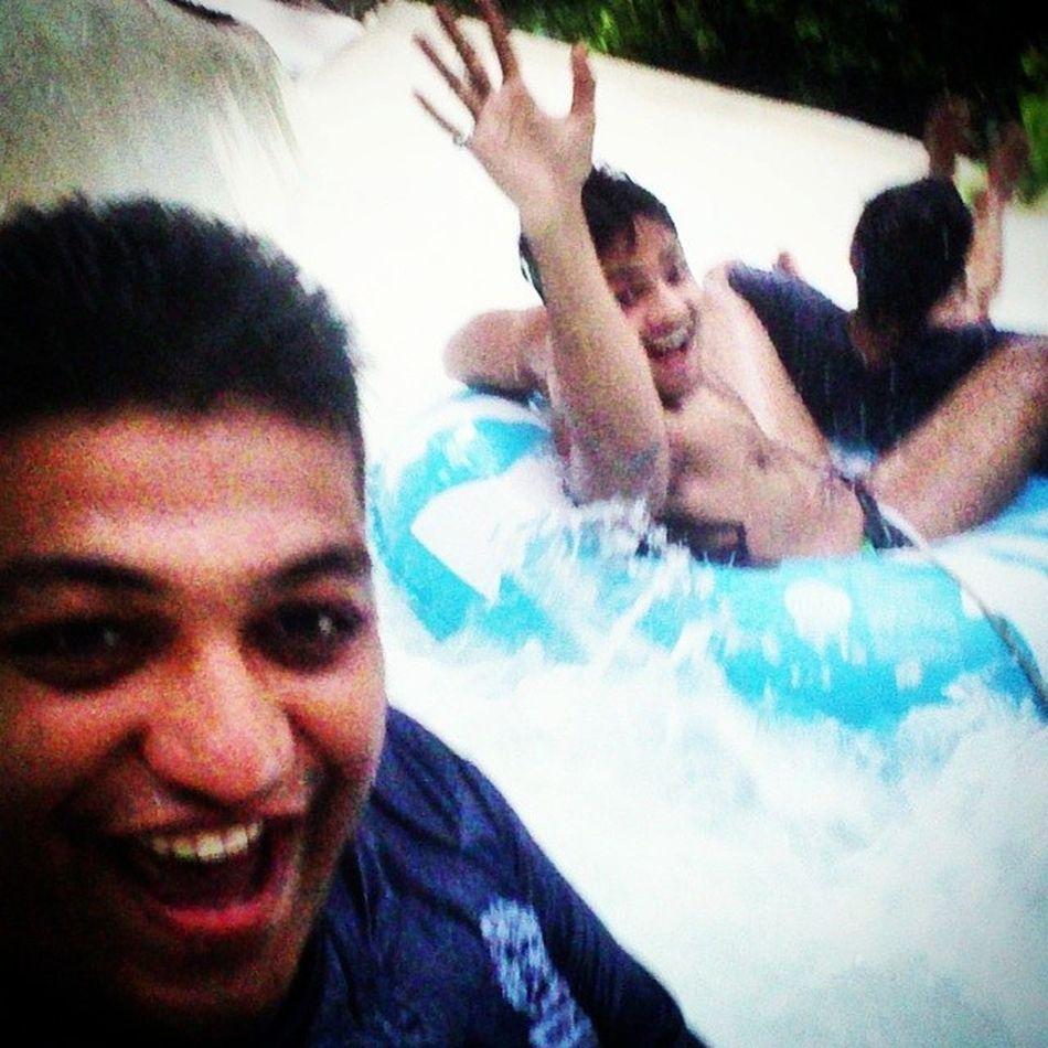 Waterkingdom Amazon Selfie Selfienation fastselfie awsumness sonyxperiacamera awsumclick instalike instagrammers instaclick picofdaday rain fun randoms