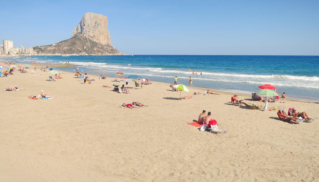 Beach Calpe Calpe Alicante España Clear Sky Enjoyment España Playa Playa En Calpe Primavera Sand Sea SPAIN Spring Spring Has Arrived Springtime Tourist Tourists Water