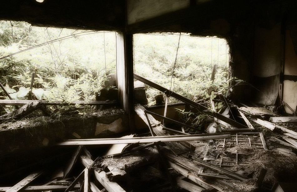Interior of old ruined building in ghost town. Broken Damaged Day Deterioration Dirty Ghost Town Japan Matsuo Kouzan Messy No People Obsolete Old Ruins Run-down