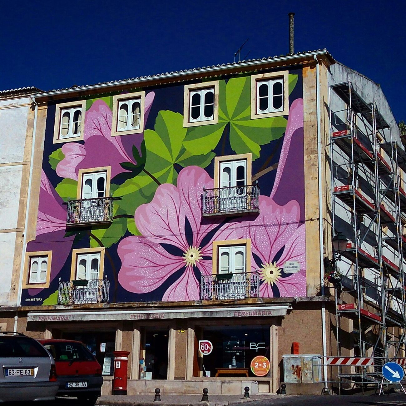 Street Abrantes Portugal Streetart Colour Of Life Colorful Arquitecture City Street Graffiti
