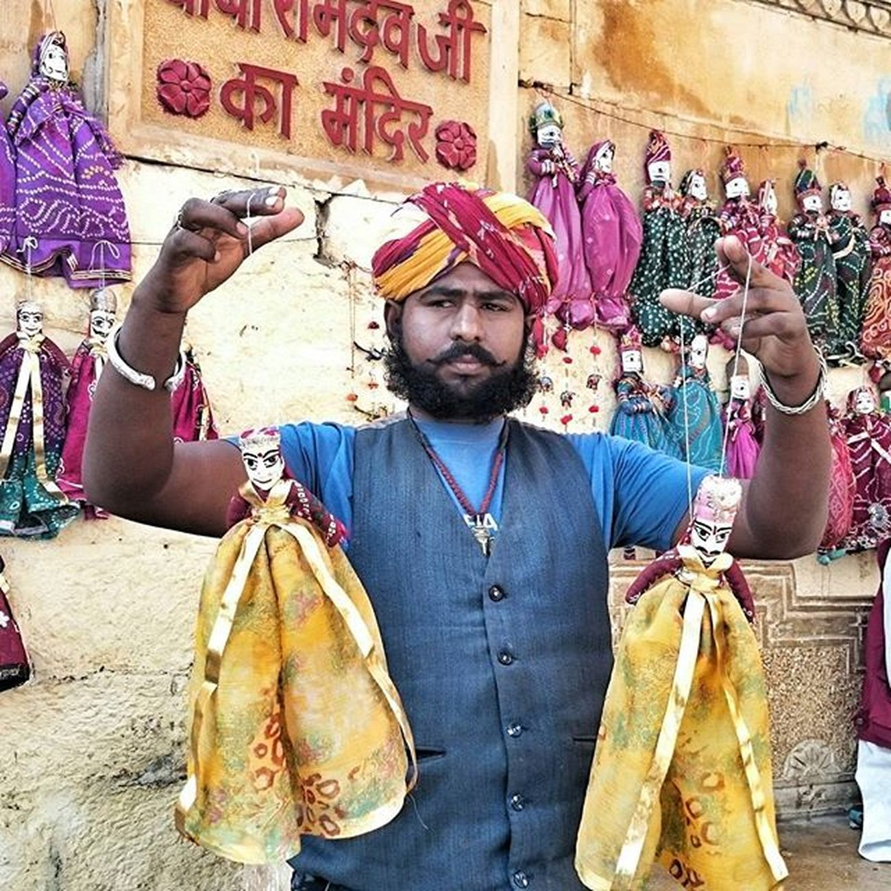 Gudda Guddi Kahani Story Jaiselmer Culture Fort Rajasthan India Travel Diaries Instadaily Instapic Colors Turban Moustache Beard Nofilter Sony Xperiaz2