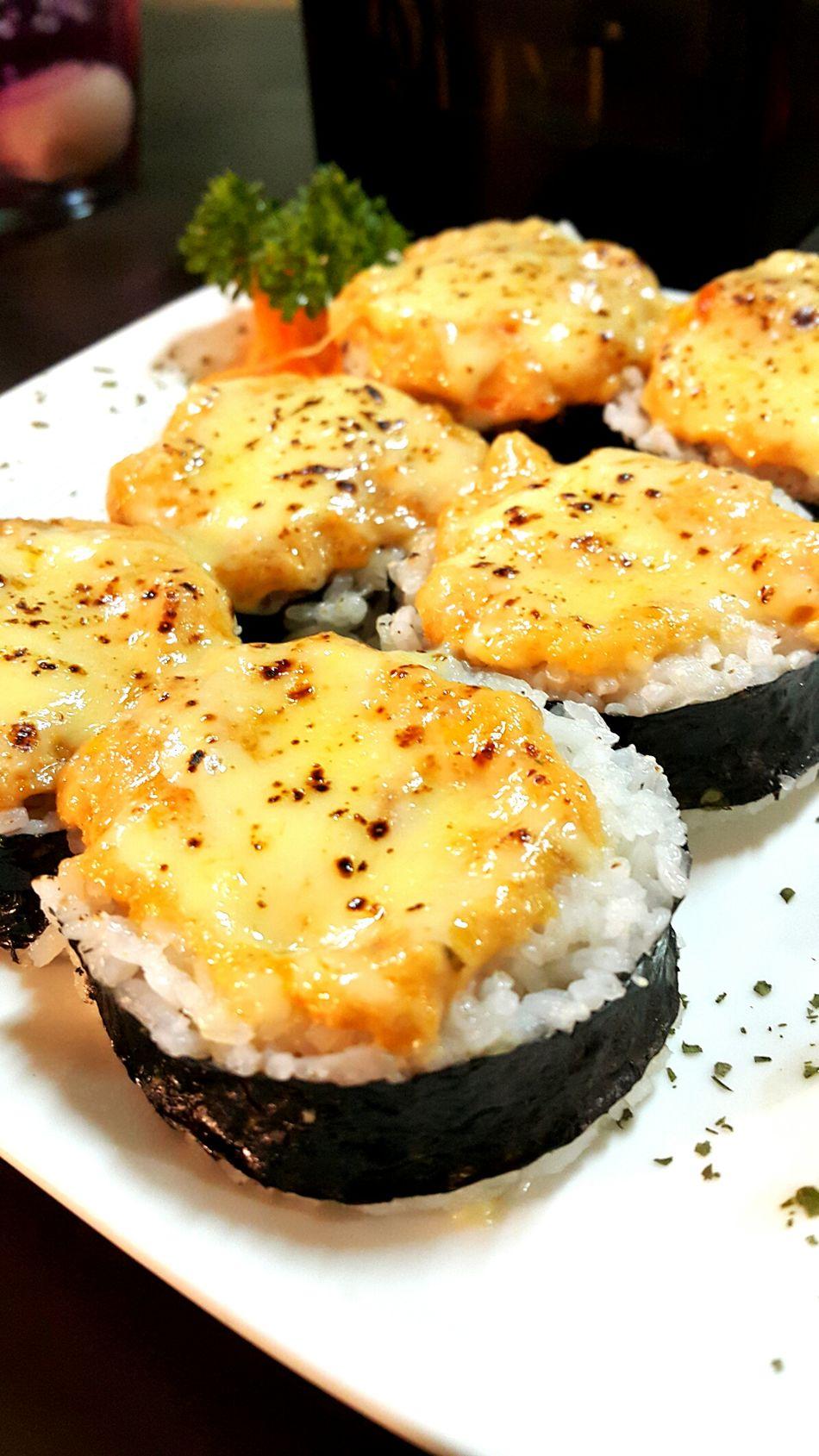 Sushi Sushiporn Foodphotography Foodgasm Food Porn Food Market Japanese Food MozarellaCheese Salmon Sushi Seaweed Delicious Nori