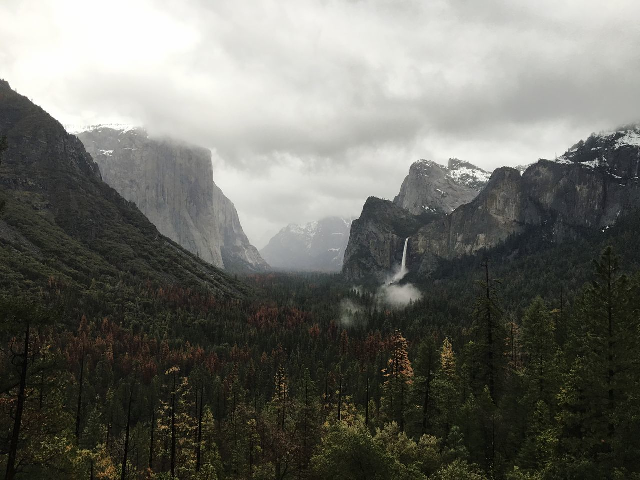 Yosemite National Park Yosemite Valley Tunnel View El Capitan Waterfall Mountain Sky Nature Landscape Mountain Range Beauty In Nature No People Scenery Outdoors Day Clouds Rainy IPhoneography Iphonephotography Roadtrip Spring