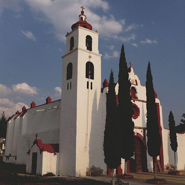 Yomochilero en Tlaxiaca, Hidalgo [Capilla de San Mateo Ixcuinquitlapilco] México
