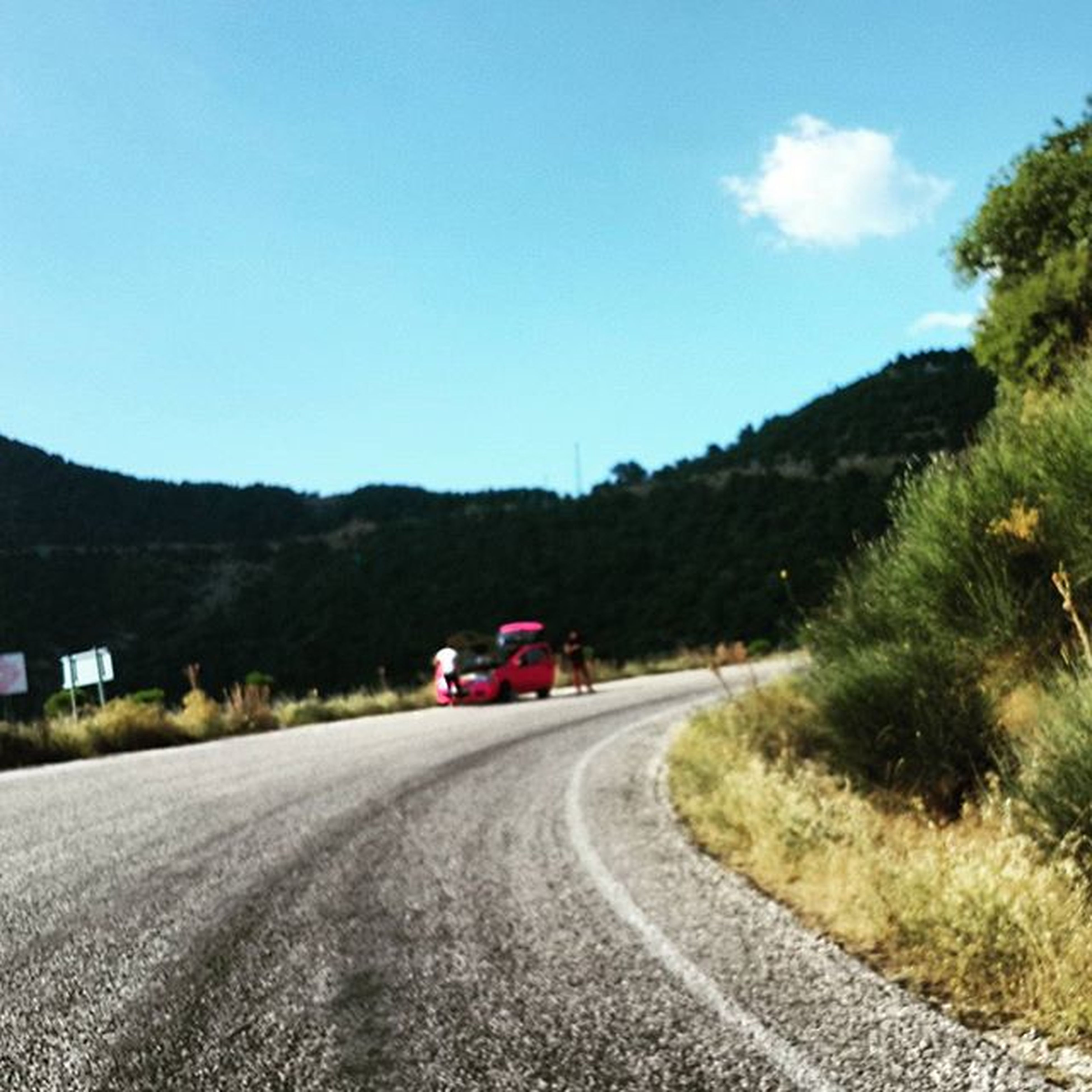 road, transportation, the way forward, country road, mountain, road marking, diminishing perspective, vanishing point, clear sky, sky, landscape, tree, street, empty, empty road, blue, long, car, copy space, countryside