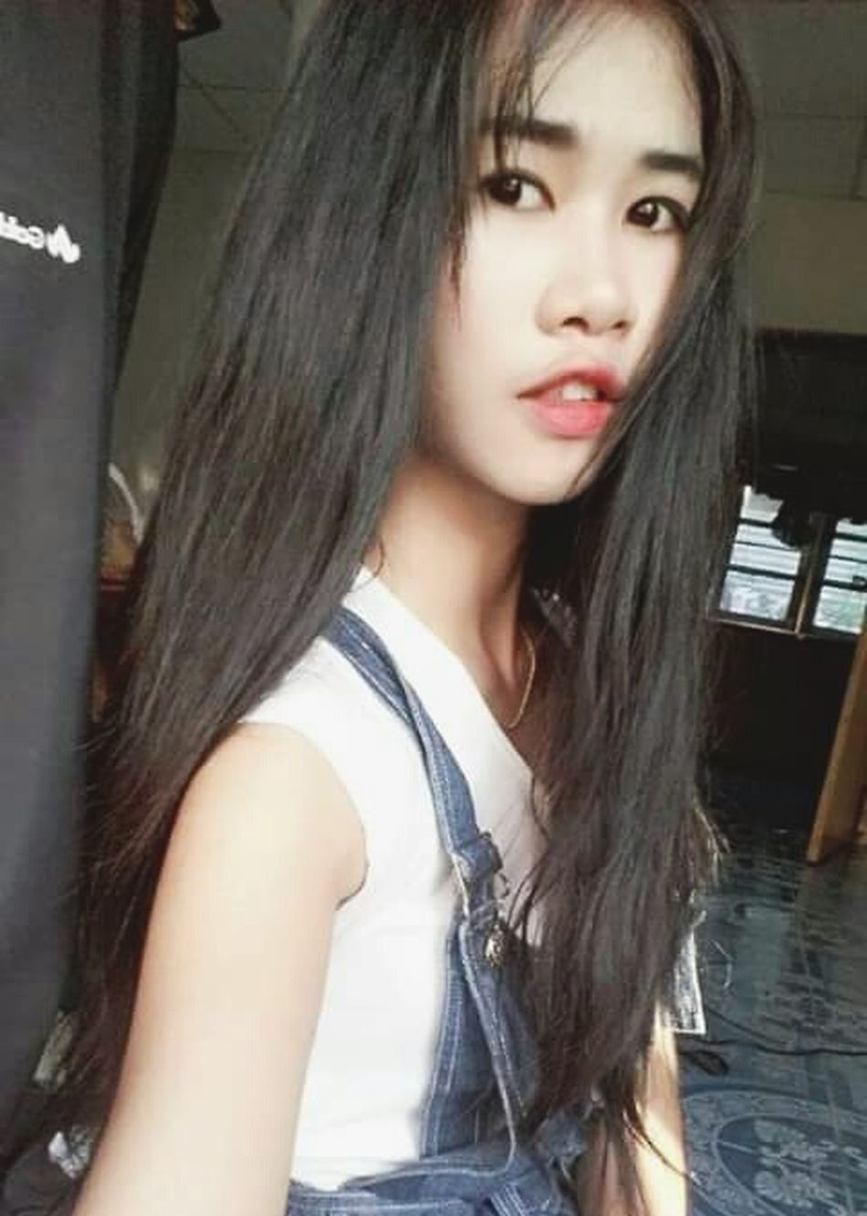 That's Me Self Portrait Hello World Asian Girl Girl Lips Hairstyle Selfie✌ Fasion Hair Faces Of EyeEm Black Hair Thai Girls Relaxing Long Hair Enjoying Life Sexylips