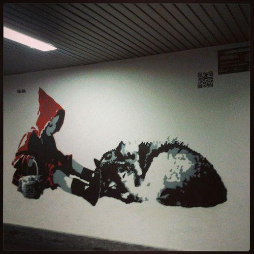 Cappuccettorosso Art Urban Graffiti littlereridinghood red wall wolf igersmilano