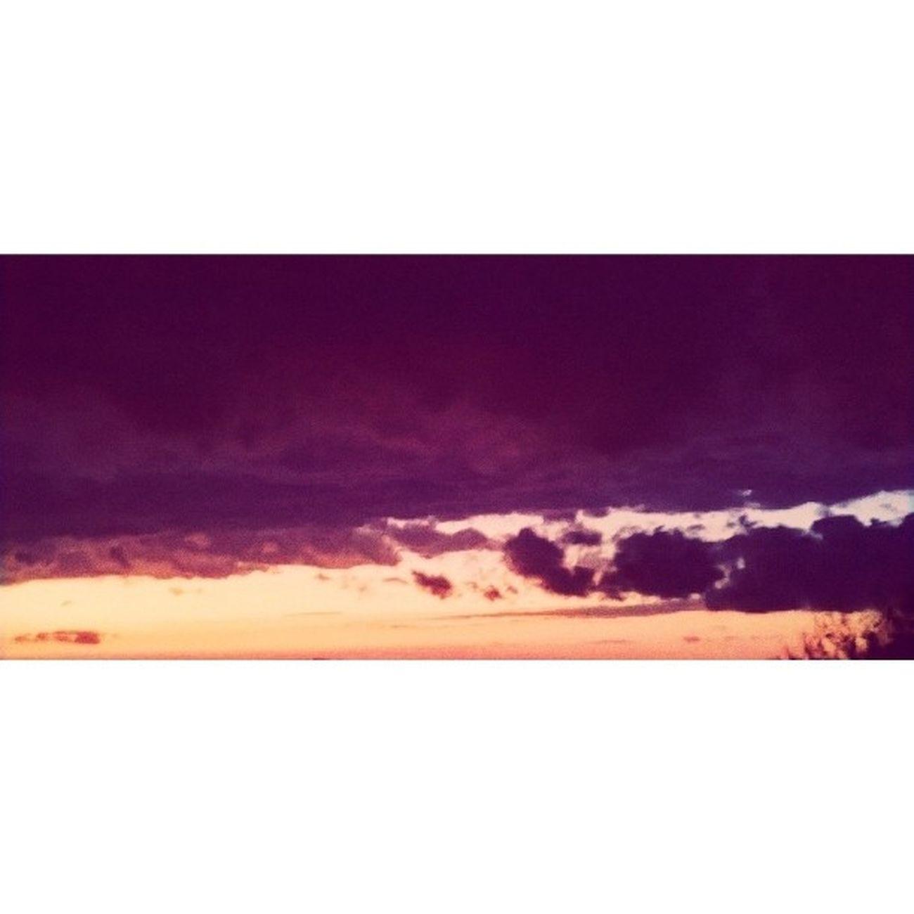 Gökyüzünün pembesi çok güzel gelsene? 🌁😍 Viavsco Fotosentez Fotografasigii Gokyuzu skyseptemberphotographphotographyvscovscoturkeywebstagraminstagoodinstadailyinstagoodlikeforliketagsforperfect