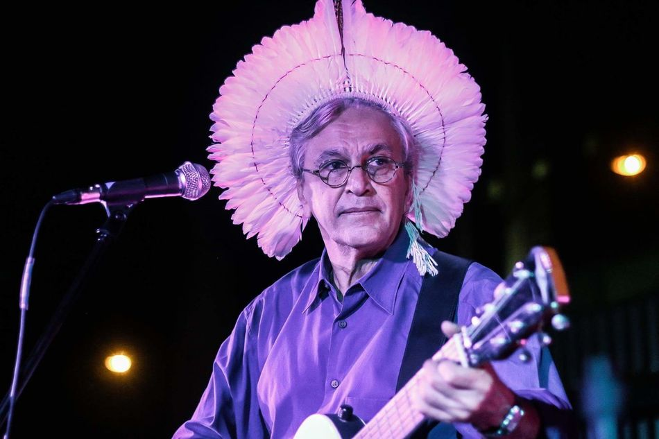 Music Microphone CaetanoVeloso Caetano Veloso MPB Mpbbrasil Musica Cantor Canon Ocupação One Man Only Only Men Adults Only Portrait One Person Arts Culture And Entertainment Eyeglasses  Adult People Performance Indoors