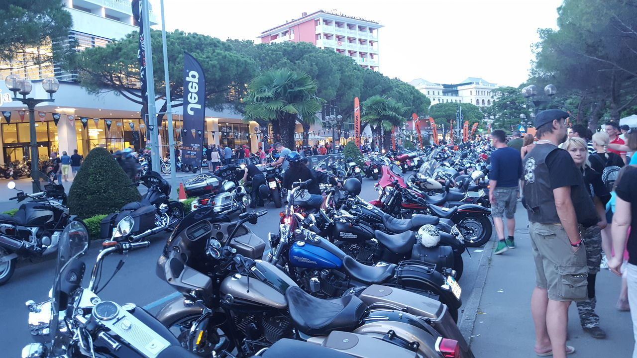 Hanging Out Taking Photos Check This Out Hello World Relaxing Motorcycles Motorsport Harley Davidson HarleyDavidsonMotorcycles Harleychoppers Harley4life Motorcycle Club All Over The World