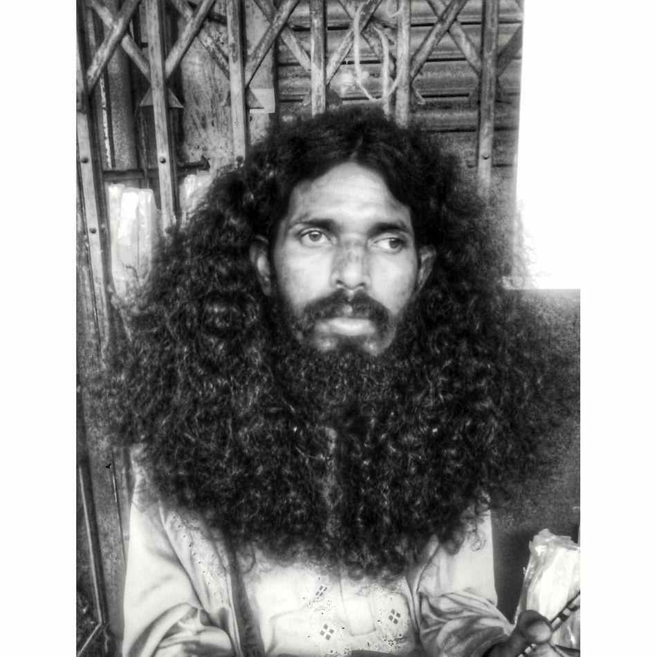Devoted soul Beard Blackandwhite Curly Hair Lifestyles Mobilephotography Portrait Streetphoto_bw Streetportrait