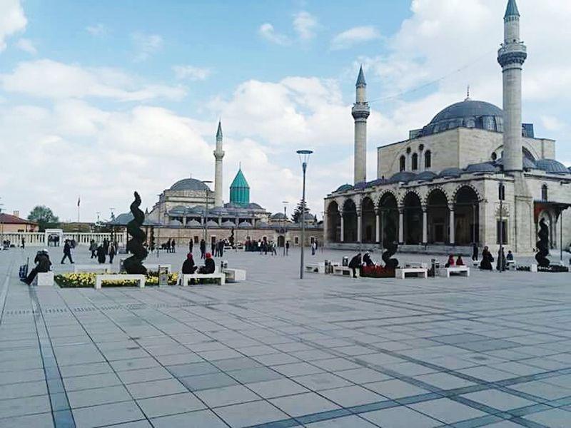 Sanırım burayı bilmeyen yoktur :) Konya Mevlana Turkey Mosque Publicsquare