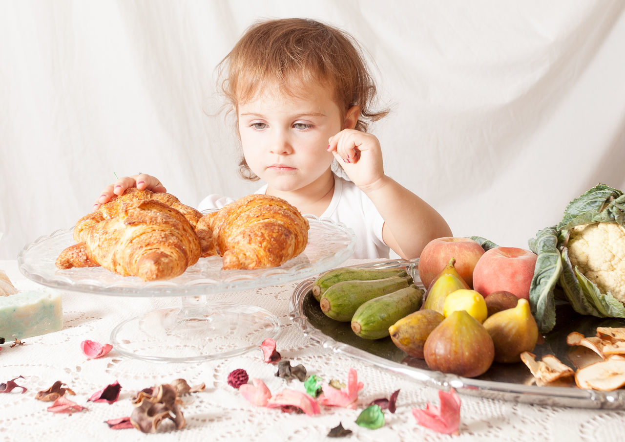 Beautiful stock photos of obst,  2-3 Years,  Arrangement,  Breakfast,  Child