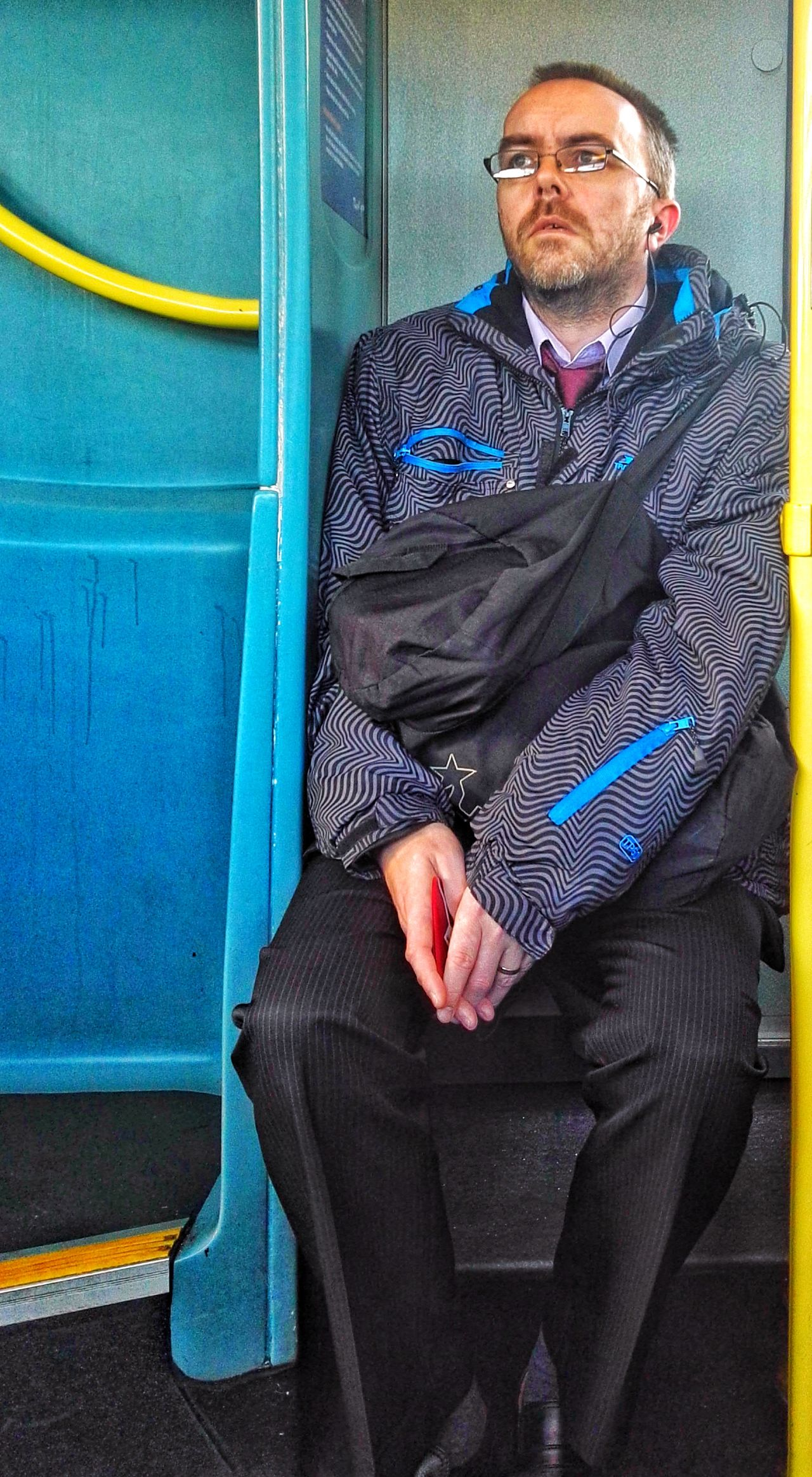 Only Men One Man Only Adults Only One Person Looking At Camera Sitting Senior Adult Business Adult Businessman Portrait People Real People Outdoors Suit Close-up Day Strangers In Transit Commuter Bus Stop, Candid Photography Just Look Up