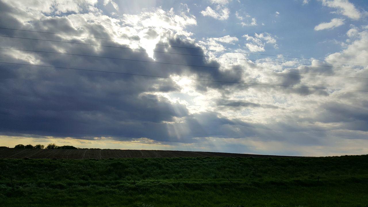Clouds Landscape Cloudy Sky Light Shines Through Cloudscape Iowa Cloud - Sky