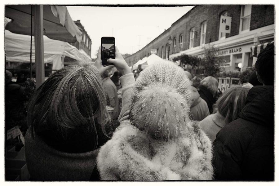 London: Christmas Selfieland übercoolStreet Fujifilm X-Pro1 London Walking Around Black & White Streetphoto_bw Capture The Moment Taking Photos Pmg_lon