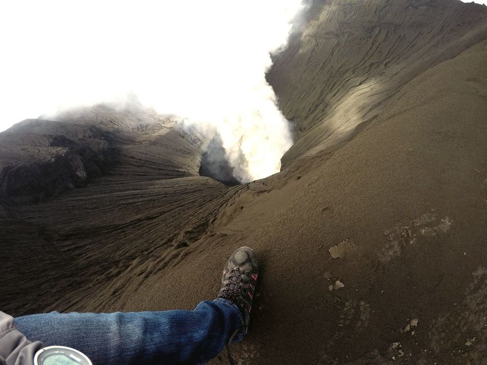 Volcano eruption at Mount Bromo! Physical Geography Nature Close-up Outdoors Bromo Mountain Bromo Tengger Semeru National Park Surabaya Volcano Crater Volcano Eruption Mountain Peak Fearlessness Fearfactor Adventuretime EyeEmNewHere Adapted To The City