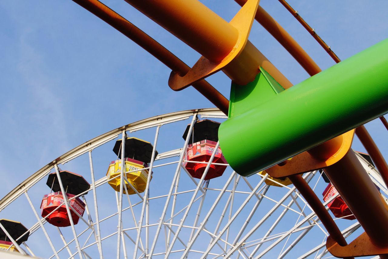 EyeEmNewHere EyeEm Gallery EyeEm Architecture Low Angle View Amusement Park Sky Amusement Park Ride Yellow Outdoors Big Wheel Day Losangeles Los Angeles, California Santa Monica Beach Ferris Wheel 🎡🎢