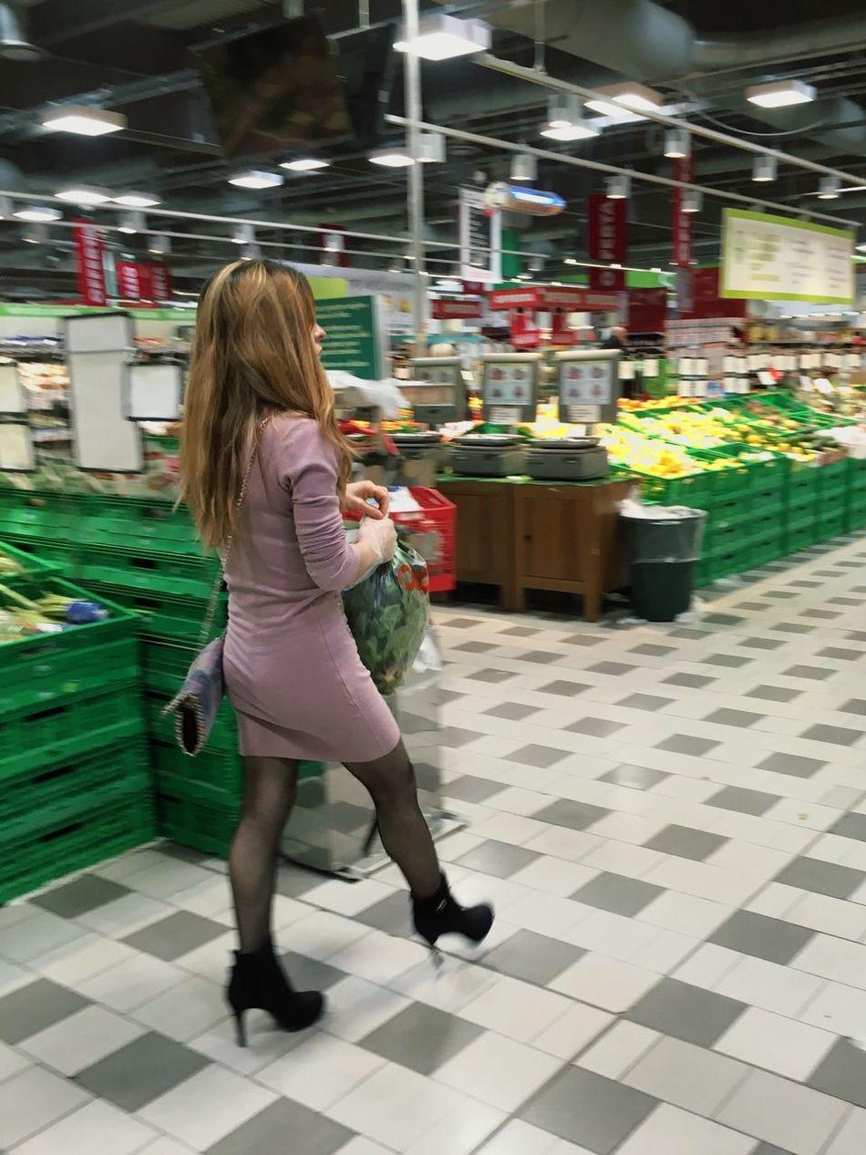 Shopping on Sunday Showcase: February Streetphotography Urban Lifestyle Fashion Girl Check This Out Eye4photography
