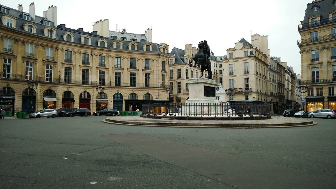 Somewhere in Paris. · France Paris ❤ Plaza Circle Statue Monument Architecture City Life City Outdoors Winter Day