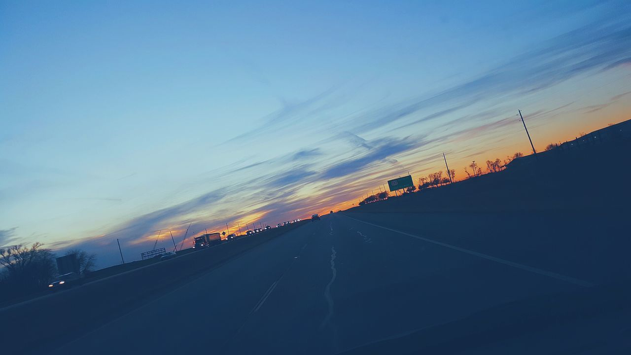 Highway life. Highway WAXAHACHIE Texas Driving Cruzing Driving Cloudy Clouds Sky Texassky Sunset Sun Cloud - Sky Landscape Beauty In Nature No People Day Outdoors Nature Blue Note5 Phonography  Pretty Home