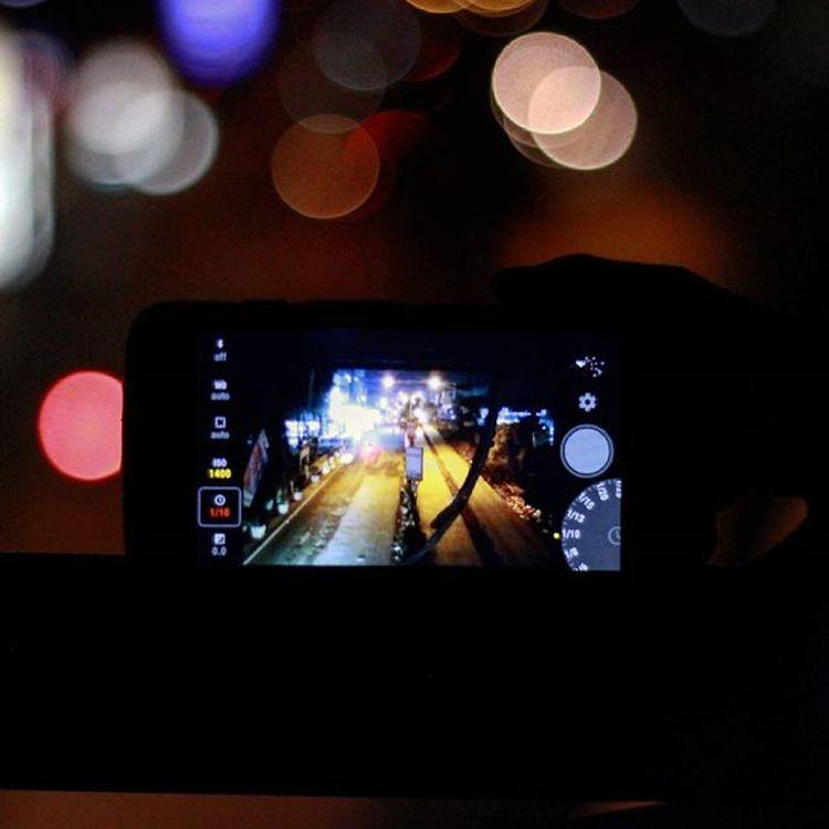 """""""Selamat malam Pamulang"""" Di jepret oleh sang maestro @septianrock90 . . . . . Janganlupakuy Igersunpam Tambahinfoto Explorepamulang Exploretangsel VSCO Vscocam Vscogood Vscogrid Vscogram Bokeh"""