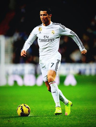 Cristiano RONALDO Cr7 HalaMadrid! Real madrid will win the next El Clasico.