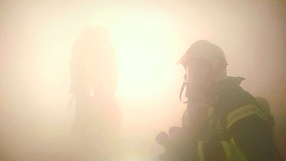 Feuerwehr im Einsatz 🚒🚨 Indoors  Togetherness Safty 24/7 Foryoursafety Backround Livesaver Real People Smoke