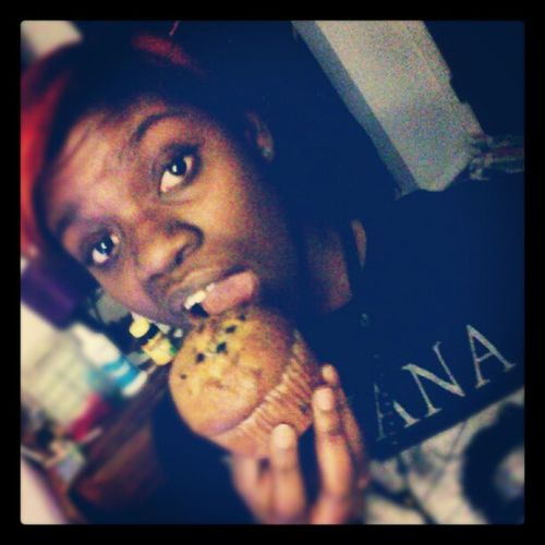 Gotta a Blueberrymuffin , gonna Smash  like I'm Huffin , and just in case if your mistaken, yes. I got Nirvana on my top lol Me