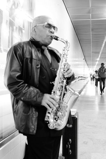 Music Saxophone Musical Instrument Playing Mature Adult Practicing Only Men One Mature Man Only Musician Skill  Arts Culture And Entertainment Indoors  Mature Men People Adult Saxophonist Classroom One Person Men One Man Only EyeEm Best Shots Eyeem Photography EyeEm Eyeem Market EyeEm Gallery