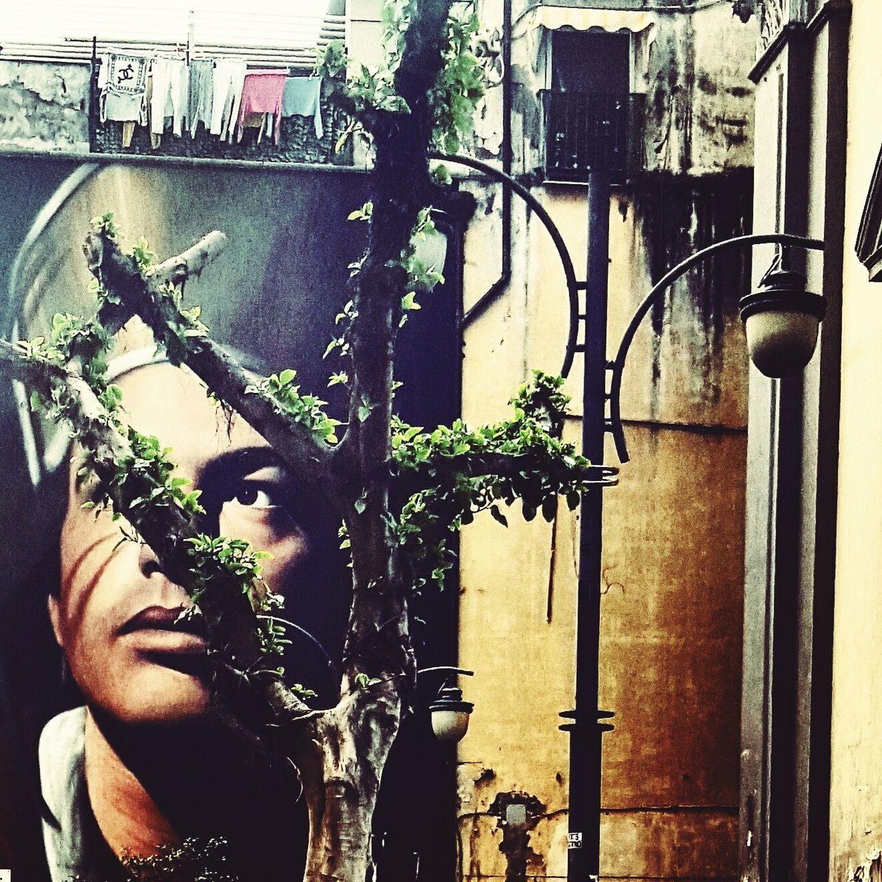 Quando la streetart incontra Napoli ❤ Streetart StreetArtEverywhere Naples Napoliphotoproject Napoli Sangennaro Rione Forcella Centrostorico Centrostoriconapoli Italy🇮🇹 Siituristadellatuacittá Outdoors
