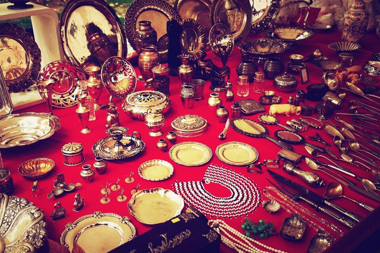 Red Gold Treasure Buying Presents Treasure Hunt