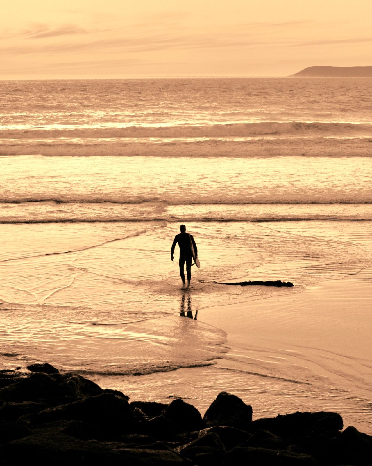 California Grown Sea Real People Sunset Beach Beauty In Nature Nature Wave Water Men Lifestyles Surfboard Sky Full Length Outdoors Leisure Activity One Person California Coast EyeEm Gallery EyeEm Best Shots Beauty In Nature Surfer California Surf Scenics Day