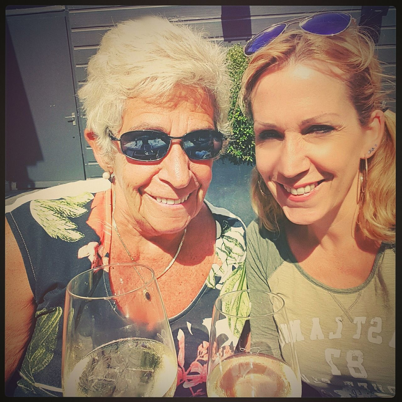 Meandmymom Family Time Missinghim Dadinheaven DaybyDay Life Is Good DrinkingChardonnay White Innamorato Mommy Beautiful Day Be Thankful We Are