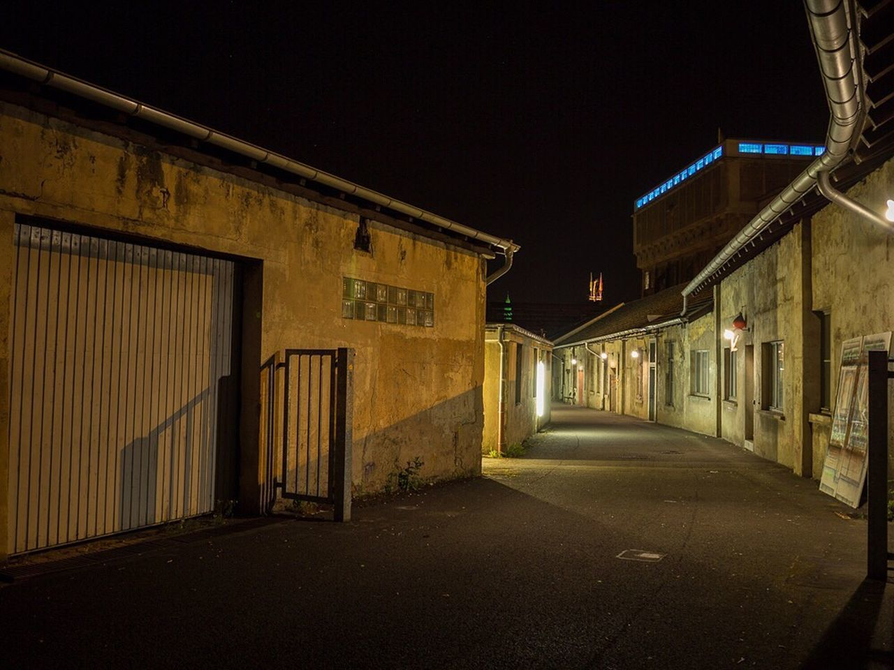Architecture Built Structure Building Exterior Empty The Way Forward Road Night Illuminated Sky History Outdoors Historic Façade No People Long Footpath