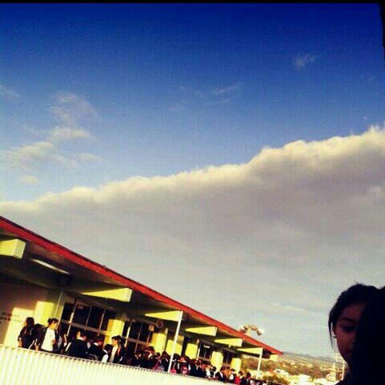 Hello World Followmefollowback Esos Cielos... School Todos presumen el cielo ¿ Y por qué yo no? ♥