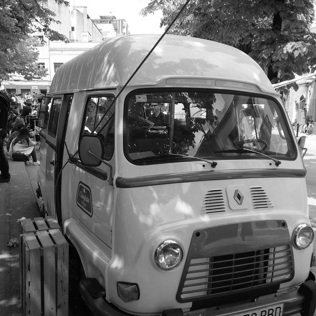 The old van Old Oldvan Van Blackandwhite Blancinegre Blancoynegro Blancetnoir Bn Stcugatexperience Santcugat Catalonia Catalunya