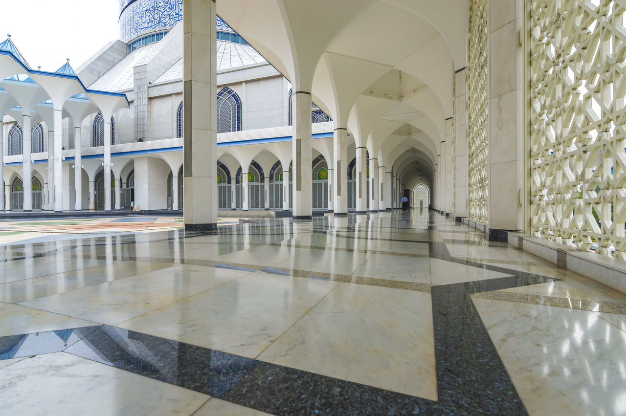 Architecture Built Structure Corridor Corridor View Entrance Indoors  Islam Architecture Marble Marble Corridor Mosque Pray Reflection Shiny Worship