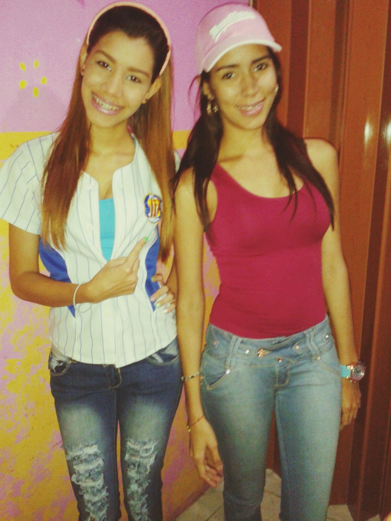Con mi hermana.
