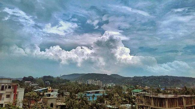 For the love of clouds and hills... Balcony | Home . . . Redmi2Prime Redmiclicks Redmi _soi India Indiapictures Indiaclicks Storiesofindia Dailylifeindia Indiadaily Snapseededit Snapseed Desi_diaries Pixelpanda_india Mobilephotography Ig_indiashots Click_india Ig_india Natgeoindia Guwahati Assam Northeastindia HDR Incamerahdr Monsoon cloudporn loveforhills neindia travelgram travel