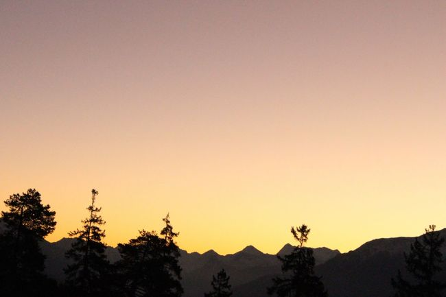 Sunrise in Crans-Montana Beauty In Nature Cransmontana Growth Hill Idyllic Landscape Majestic Mountain Mountain Range Nature No People Non Urban Scene Orange Color Outdoors Scenics Schweiz Sky Sonnenaufgang Suisse  Sunrise Switzerland Tourism Tranquility Travel Destinations Valais