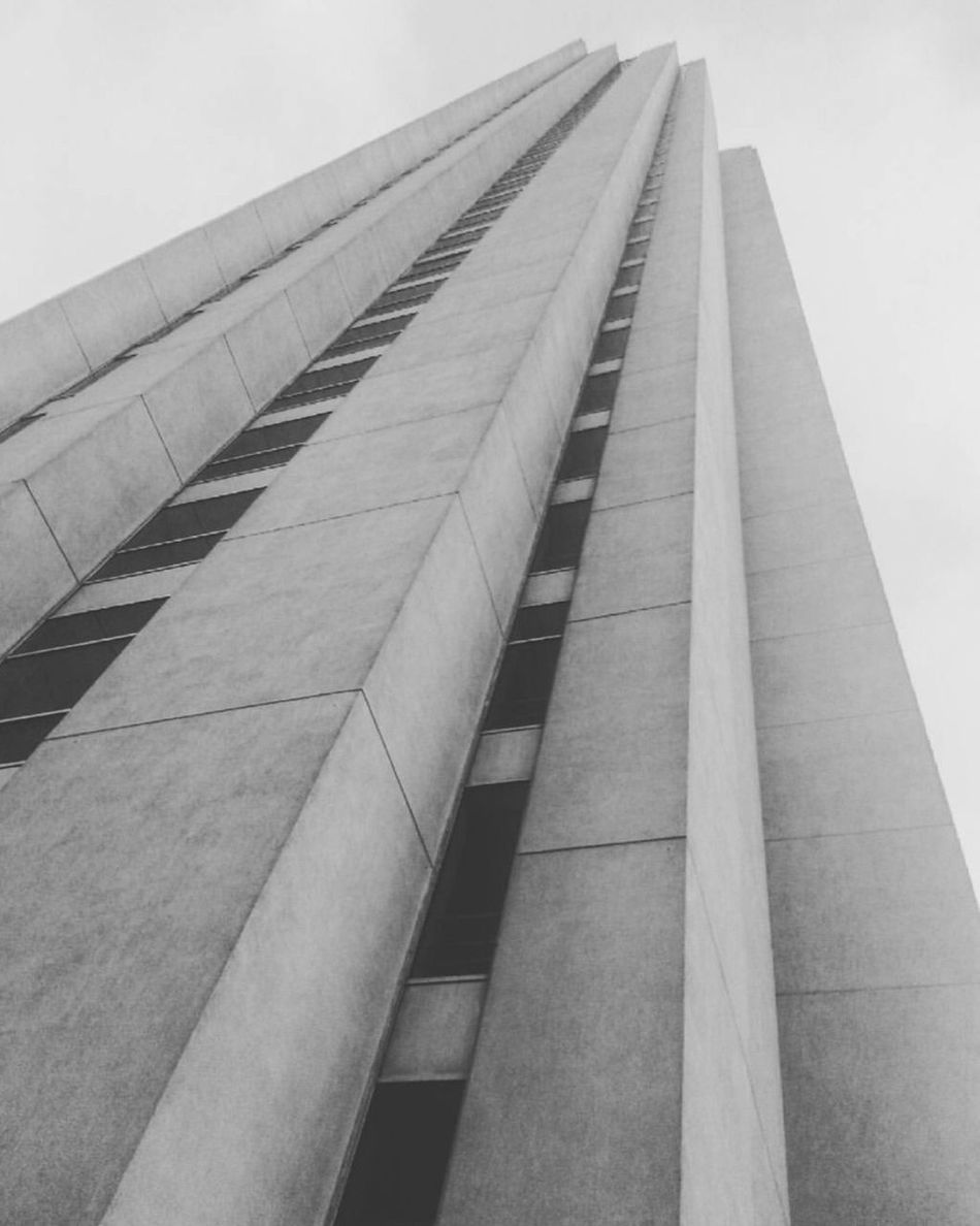 Architecture Built Structure Day Building Exterior Modern No People City Clear Sky Tall Sky Outdoors Skyscraper Corporate Business Desaturated Blackandwhite Sehir First Eyeem Photo Siyahbeyaz Türkiye Cityscape Istanbul Black Turkey City