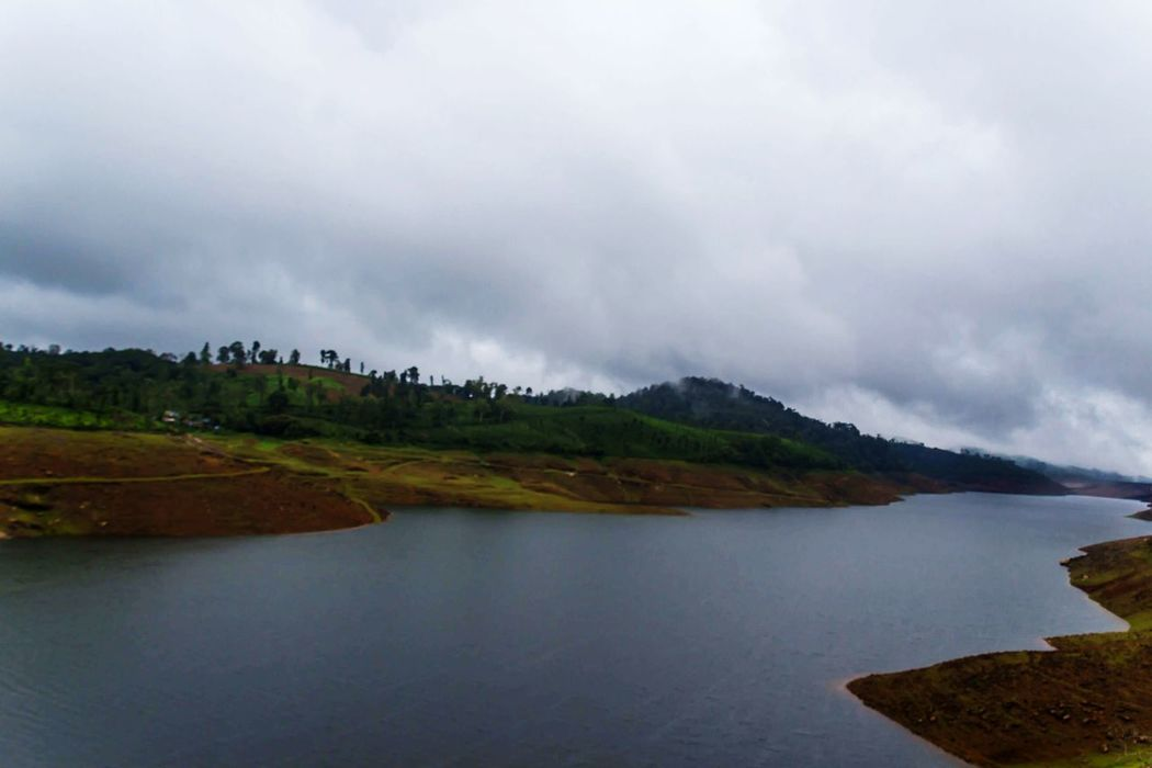Landscape Nature Environment No People Beauty In Nature Rainy Days☔ Scenics Day Travel Destinations Hill Station Water Outdoors Valparai