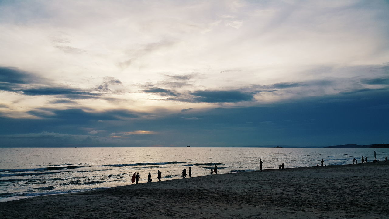 beach, sea, sand, horizon over water, water, sky, nature, beauty in nature, shore, sunset, scenics, cloud - sky, tranquil scene, tranquility, outdoors, vacations, day, no people