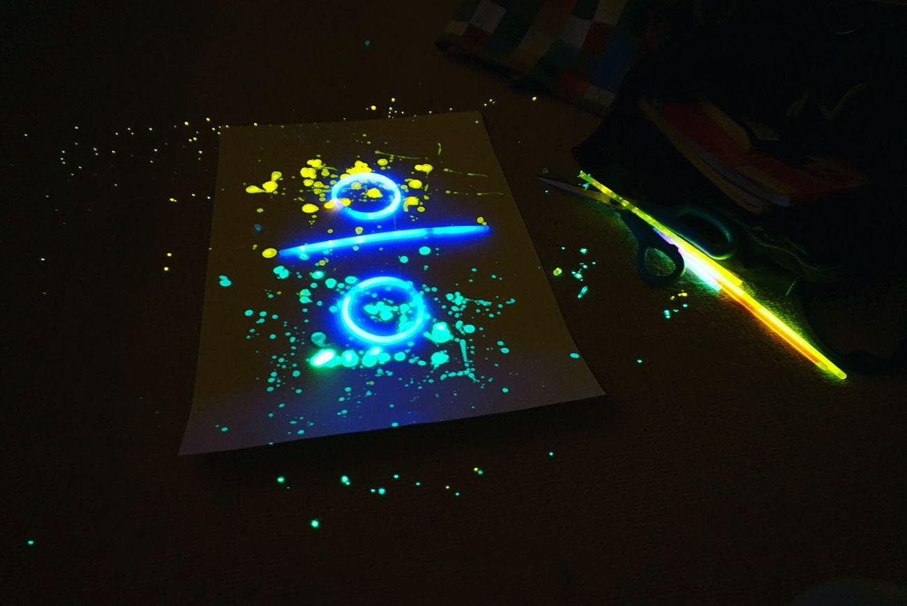 Studio Shot Illuminated No People Black Background Technology EyeEm Gallery Night Lights Reflection Fluorescent Fluorescent Light Fluo  Indoors  Divide Ed Sheeran Blue Green