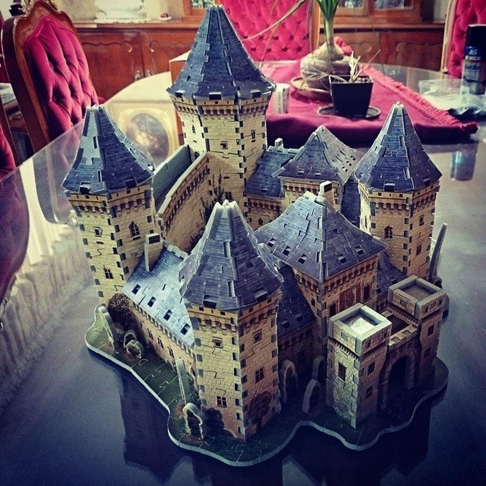 Dos tardes de sábado :-D y nuestro castillo medieval terminado!!! Castle Rompecabezas Trabajo En Equipo
