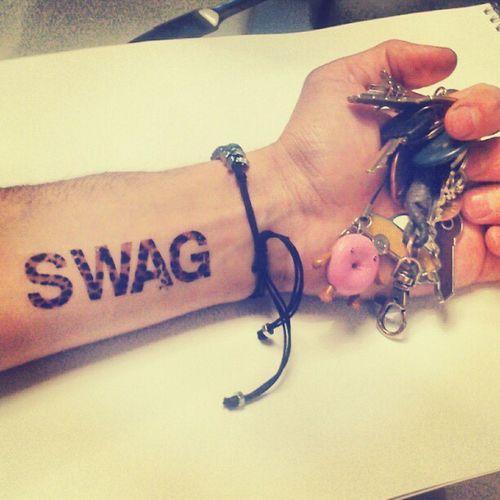 Dometwice Wwwdometwicecom Temporary_tattoo Tattooss naked cap now swag keys orbit metal jewellery tattoo