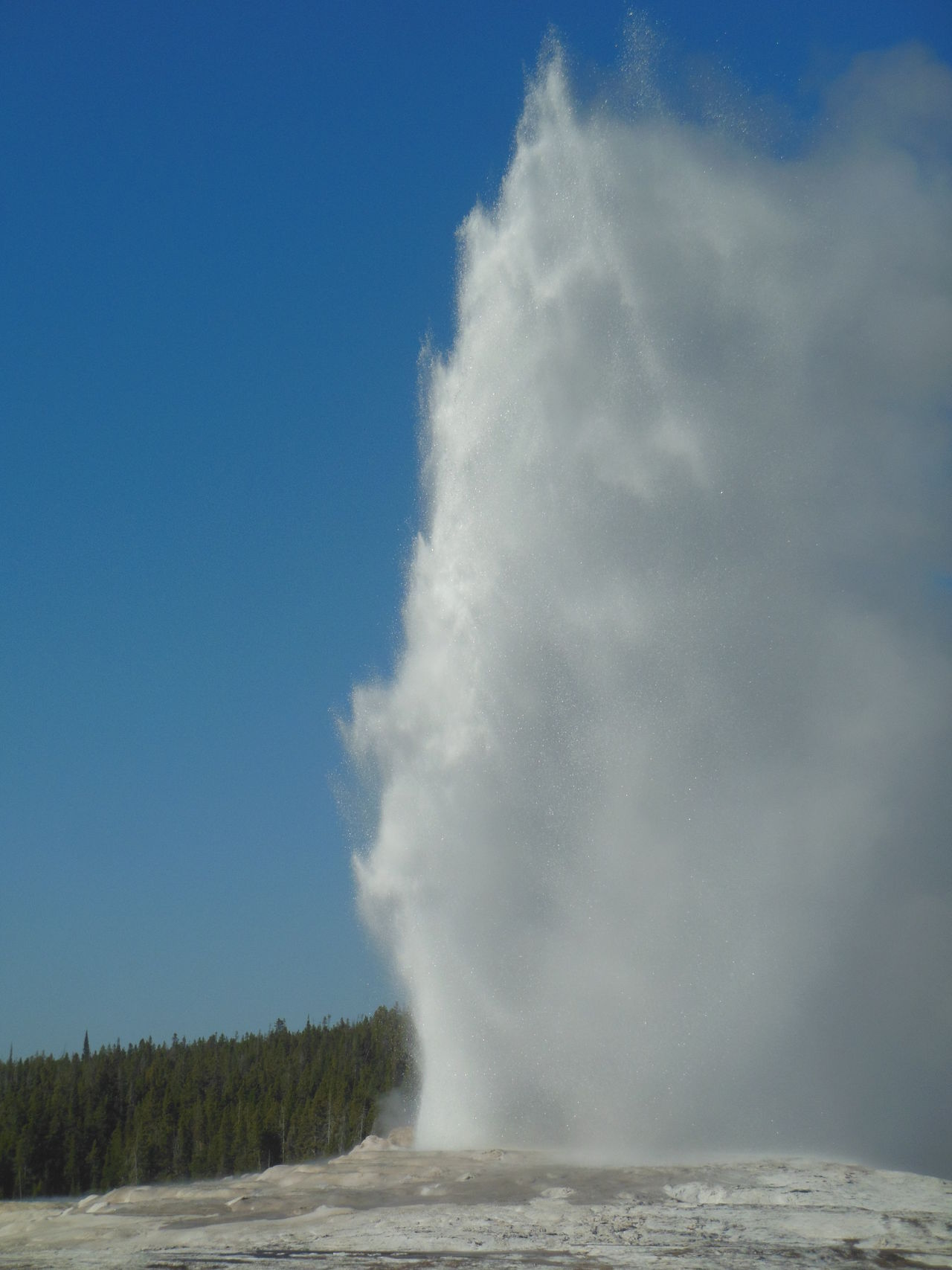 Beauty In Nature Erupting Geology Geysir Nature Old Faithful Physical Geography Power In Nature Splashing Spraying USA Water Yellowstone National Park