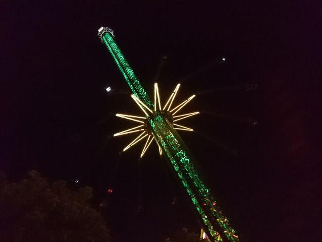 Fun Park Funpark Going Up Going Up! Light Night Cities At Night Night Lights Night Photography Theme Park Themepark The Architect - 2016 EyeEm Awards